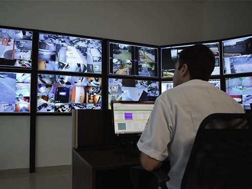 Serviços de monitoramento eletronico