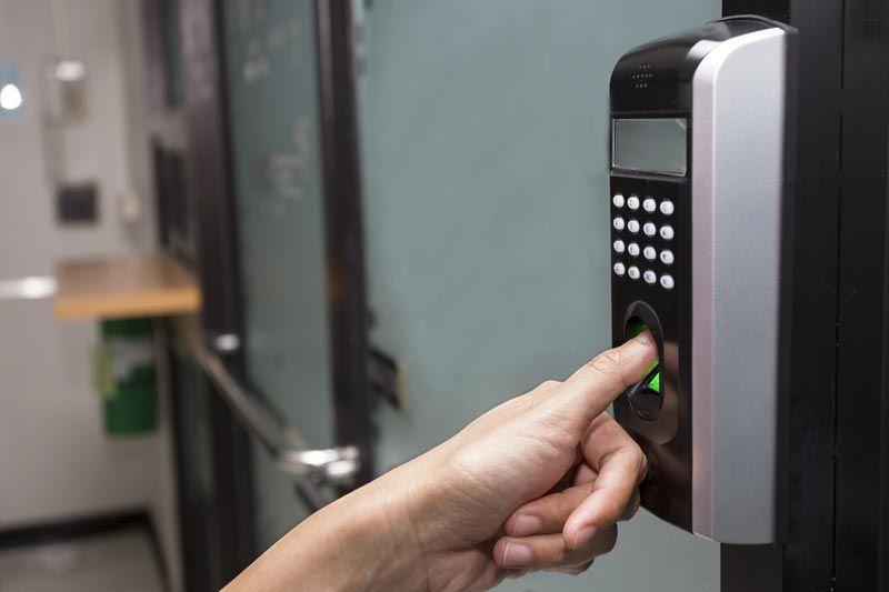 Sistema de controle de acesso para condominio